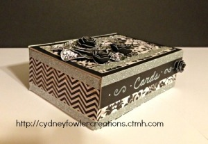Elegant box to store cards or give a nice gift of greeting cards